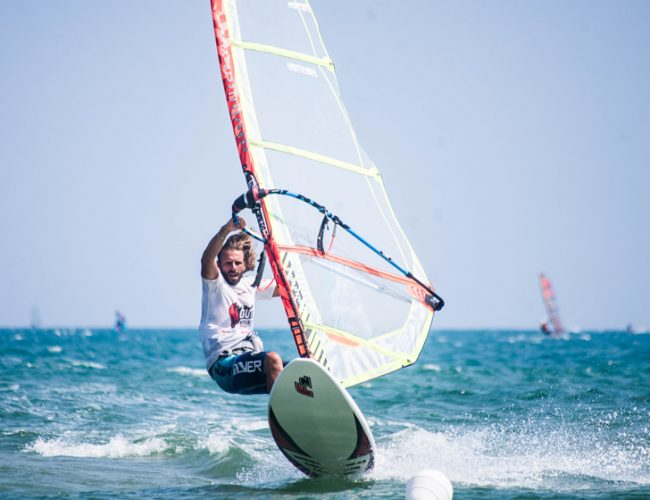 scuola-windsurf-768-surf-vieste-puglia-wakeboard-sup-affitto-FLYBOARD5